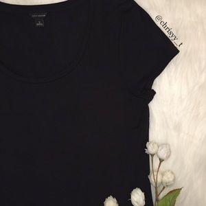 Ann Taylor black scoop neck short sleeve tee shirt